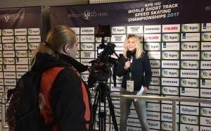 Reporter tijdens WK Shorttrack