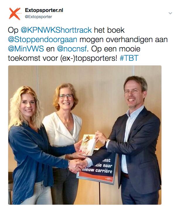 Tweet Extopsporter.nl - boekoverhandiging aan Ministerie van VWS en NOC*NSF